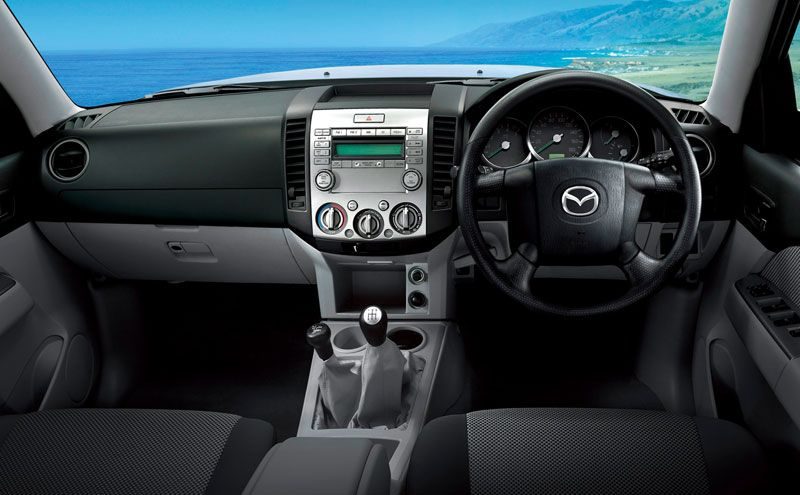 Mazda BT-50 Pick-up steering and front dash(画像あり)