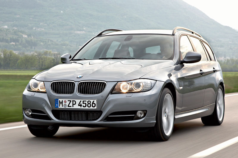 BMW 320d Touring manual 5 door specs | cars-data.com