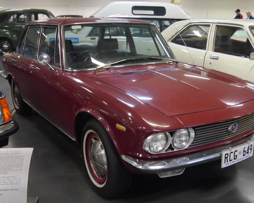 File:1968 Mazda 1500 Luce sedan (23659014861).jpg - Wikimedia Commons