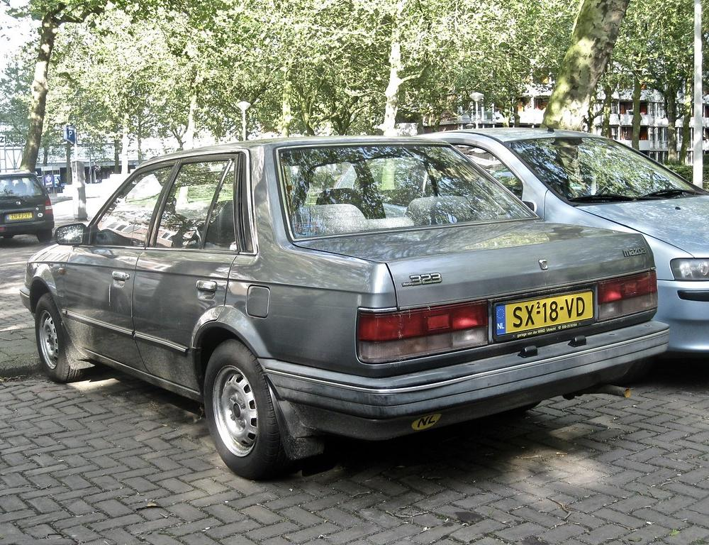 1987 MAZDA 323 Sedan 1.3 GLX | The 323 was a model range tha… | Flickr