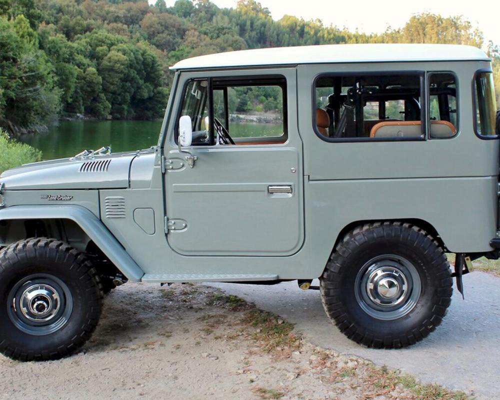 Legacy Overland's 1977 Toyota Land Cruiser FJ40 Has Original Looks ...