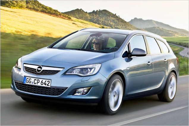 Opel astra 1.4 caravan. Photos and comments. www.picautos.com 2019