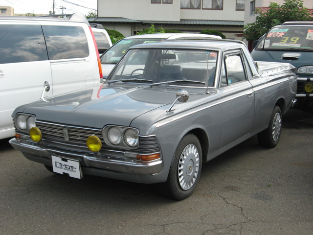 NINJA GARAGE: 1969 TOYOTA CROWN PICKUP