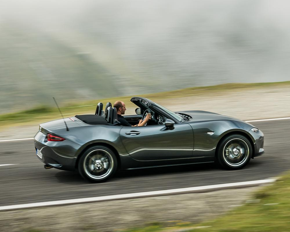 2019 Mazda MX-5 Roadster (Color: Machine Grey) - Side | HD ...