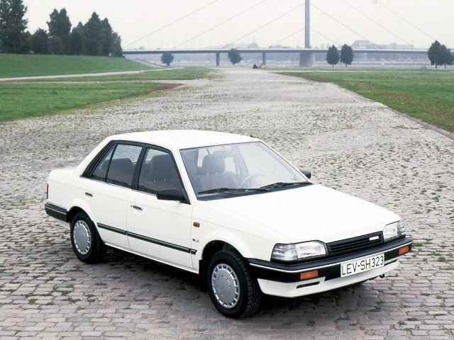 Mazda 323 Sedan (1986 – 1990). | Voiture, Jeunesse