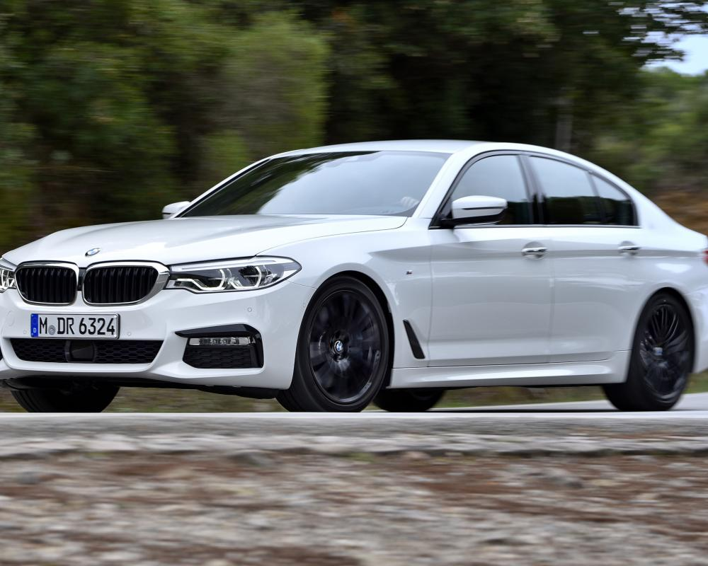 BMW 540i xDrive review: 4WD saloon driven | Top Gear