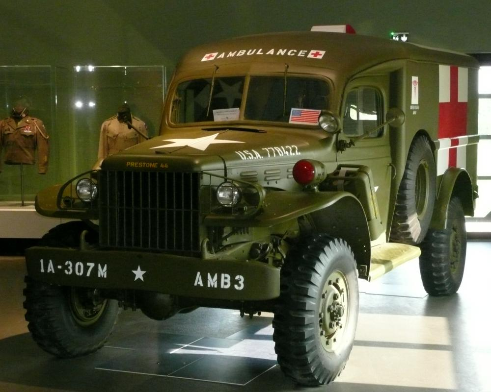 File:Dodge WC54 ambulance, Airborne Museum Sainte-Mère-Eglise.jpg ...