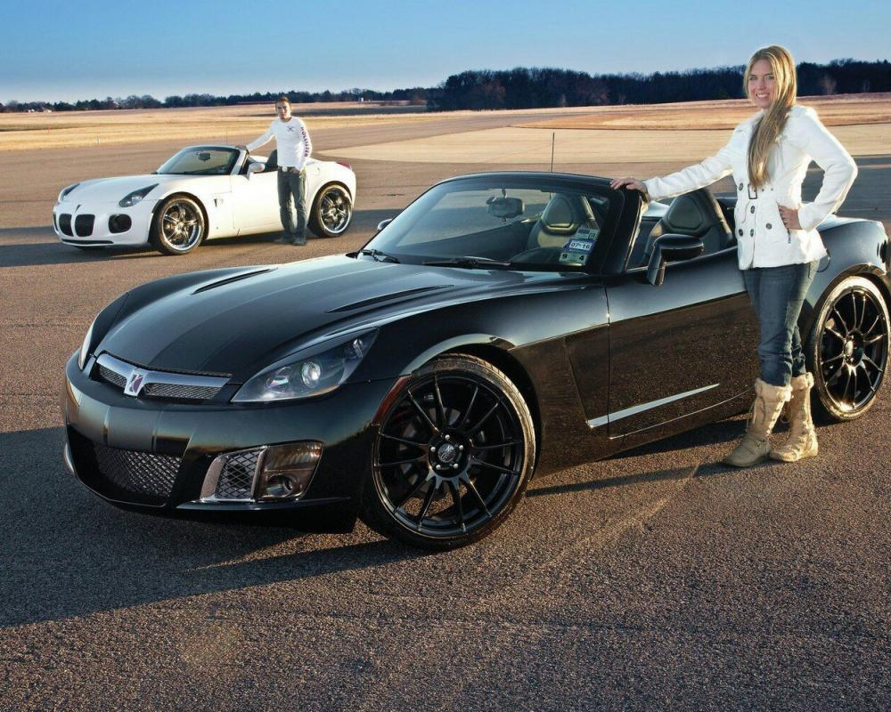2007 Pontiac Solstice GXP and 2009 Saturn Sky Red Line - Half And ...