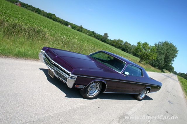 Full-Size Rules! Amerikanisches Auto im XXL-Format: 1972 Dodge ...