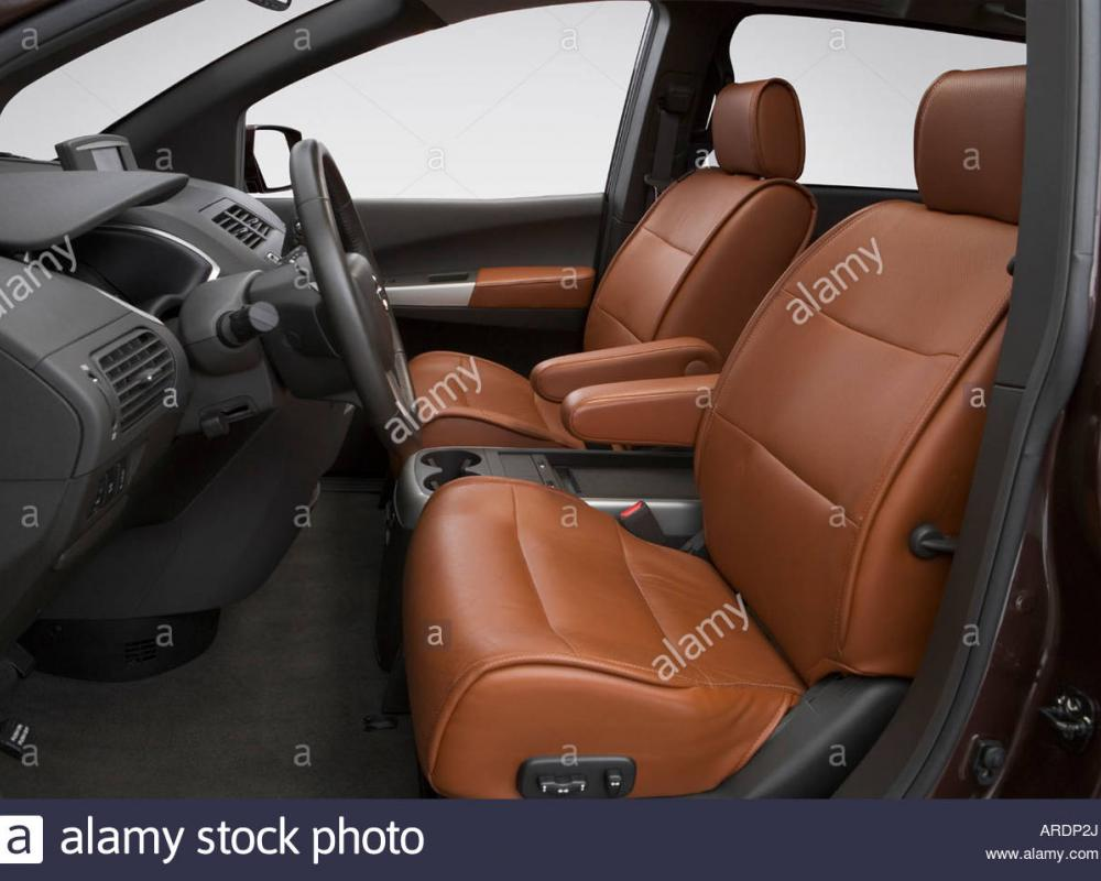 2007 Nissan Quest 3.5 SE in Red - Front seats Stock Photo ...