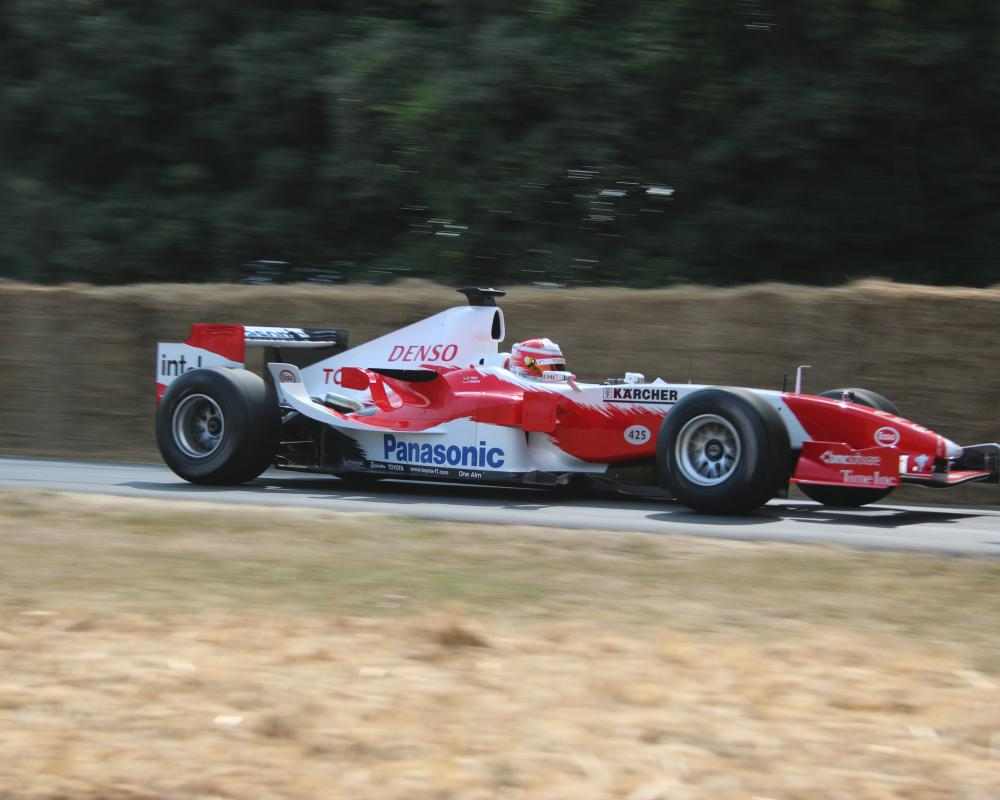 File:Ralf Schumacher Toyota TF105 Goodwood Festival of Speed 2018 ...