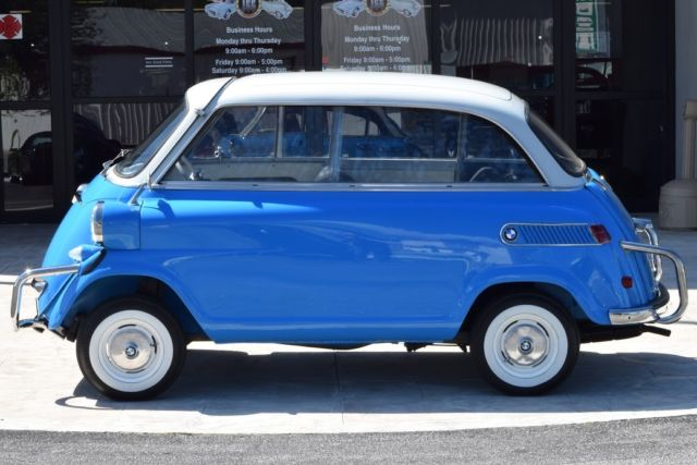 1959 BMW Limo Isetta 600 in Bavarian Blue