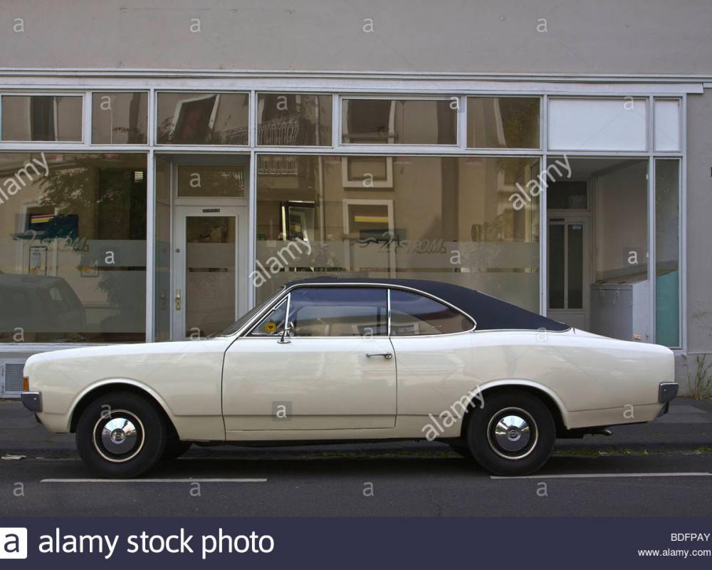 Opel Rekord Coupe Stockfotos & Opel Rekord Coupe Bilder - Alamy