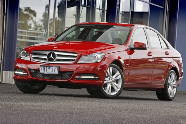 Mercedes-Benz C200 CGI Review | AnyAuto