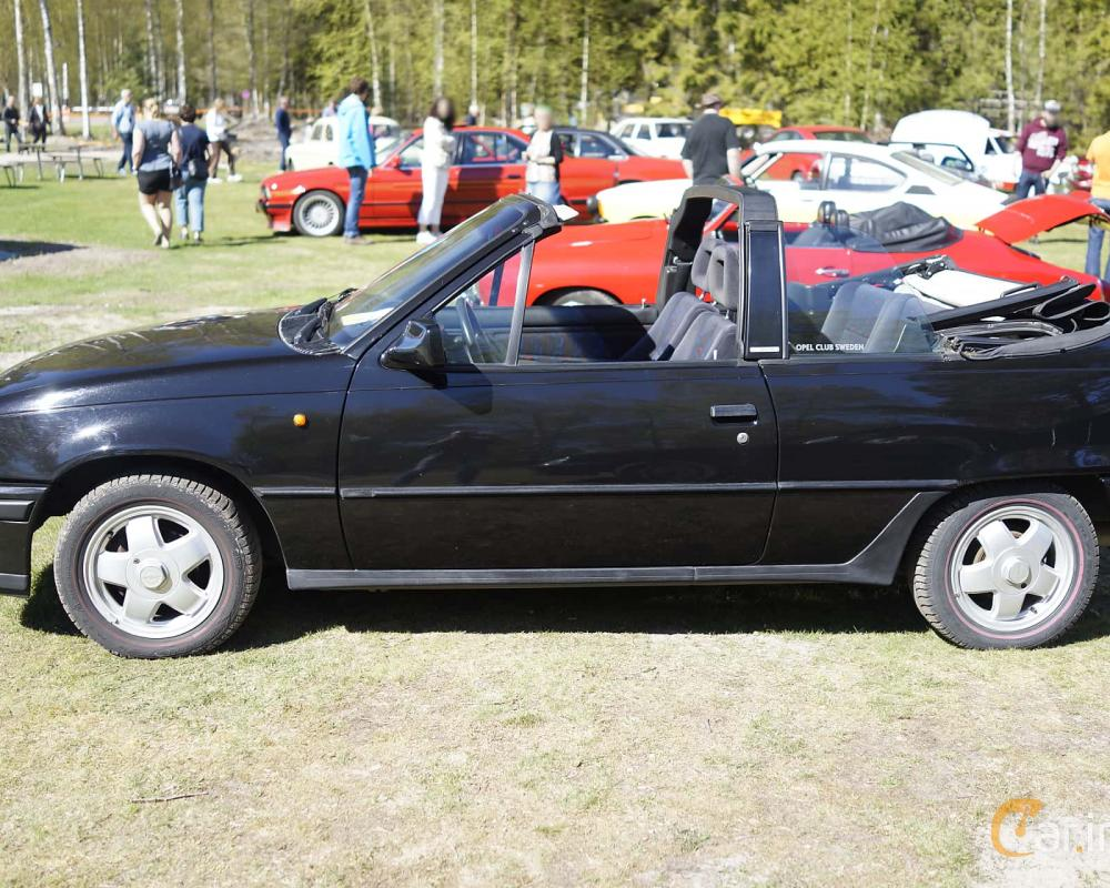 8 images of Opel Kadett Cabriolet 1.3 Manual, 75hp, 1993 by ...