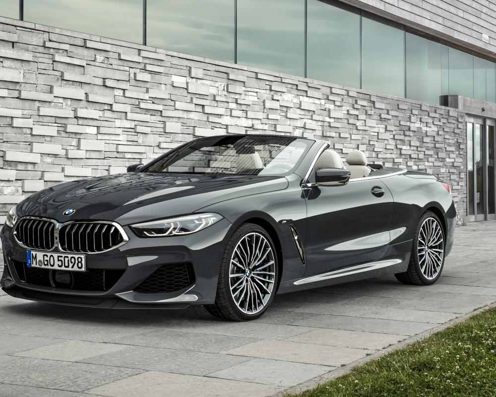 BMW 8 SERIES CONVERTIBLE.