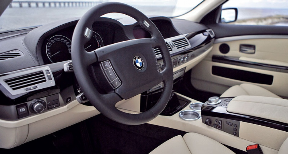 BMW Hydrogen 7 for delivery in 2007 | Classic Driver Magazine