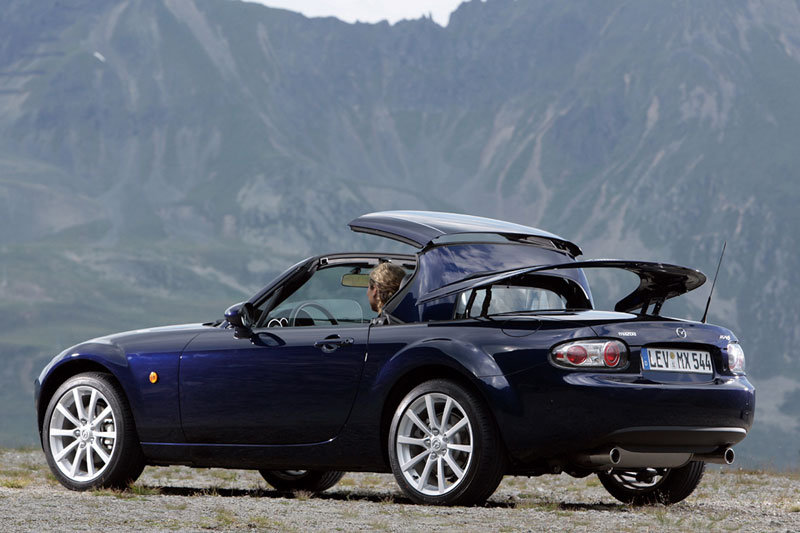 Mazda MX-5 Roadster Coupe 2006 pictures (20 of 20) | cars-data.com