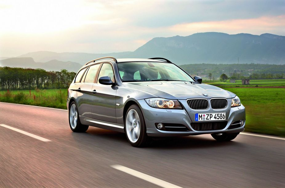 BMW 325i Touring Edition Lifestyle xDrive :: 1 Foto und 11 ...