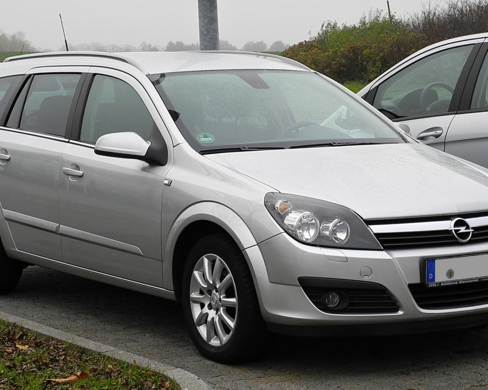 File:Opel Astra Caravan 1.7 CDTI Elegance (H) – Frontansicht, 13 ...